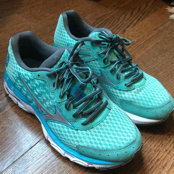 Mizuno Shoes - Mizuno Running Sneakers